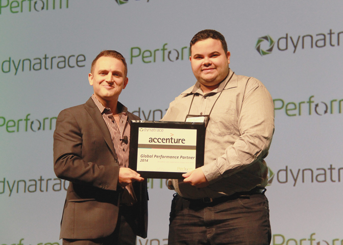 Accenture receiving the Global Perfomrance Award